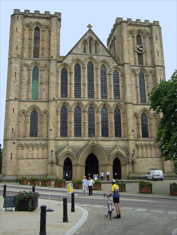 006 (Reduced for email) Ripon Cathedral 5 August